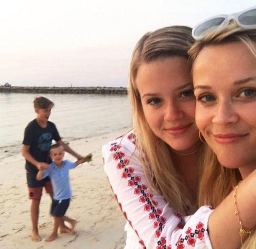 Reese Witherspoon i Ava Elizabeth