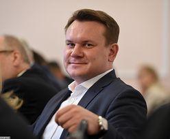 Wyniki wyborów 2019. Dominik Tarczyński szczęśliwy