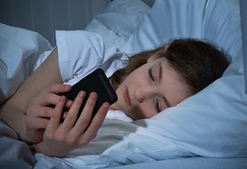 Presja ciągłego bycia online może doprowadzić do poważnej chroby