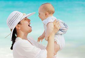 Czy wiesz, co ile karmić niemowlę, aby zdrowo się rozwijało?