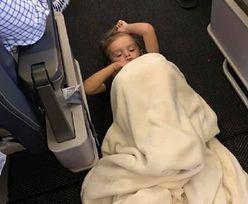 4-letni chłopiec dostał ataku podczas lotu. Do akcji wkroczyły stewardesy