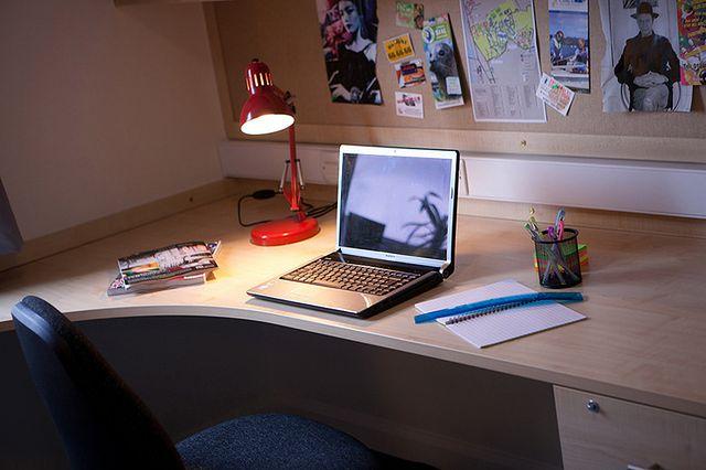 Biurko w pokoju ucznia