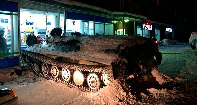 Ukradł czołg, zrobił demolkę i wjechał nim do supermarketu