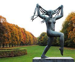 Rzeźby, które powodują, że turyści łapią się za głowy
