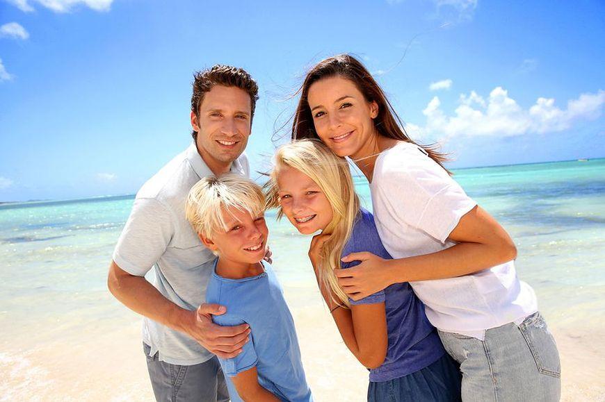 Uwaga na infekcje pokarmowe na wakacjach