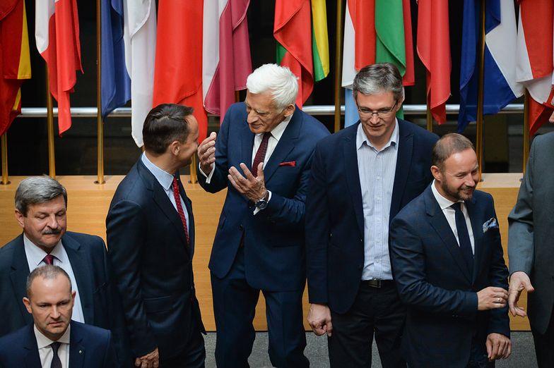 Polscy posłowie przed obradami Parlamentu Europejskiego