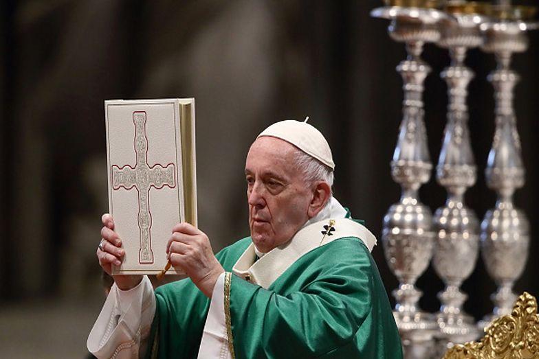 """Papież Franciszek zmienił słowa modlitwy """"Ojcze Nasz"""". Jak brzmi teraz?"""
