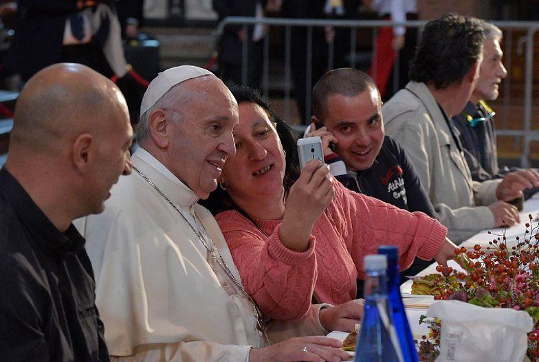 Więźniowie umówieni na lunch z papieżem Franciszkiem uciekli. Policja nie zdołała ich złapać