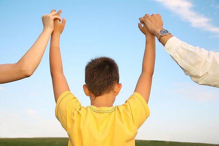 Dziecko wymaga dużej uwagi, gdy rodzice się rozwodzą