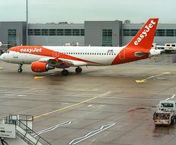 Pasażer wydalony z samolotu. Przekroczył granicę przyzwoitości