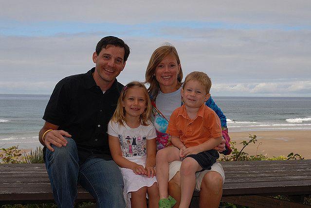 Rodzina nad morzem