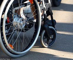 Bytom. Niepełnosprawny chłopiec porzucony przez matkę. Kobieta była pijana